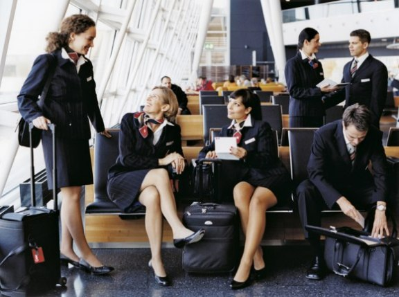 swiss-international-air-lines_airhostess - cheapairetickets